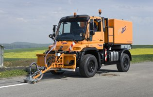PeelJet Unimog in Aktion